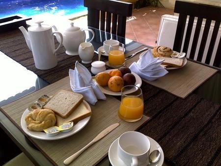 禅宗别墅酒店 - 登巴萨 - 食物