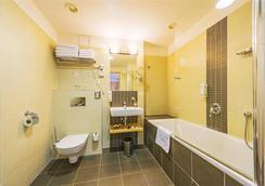 Iris Hotel Eden - 布拉格 - 浴室
