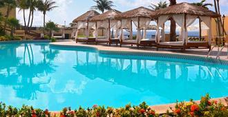 坎昆安普里奥套房酒店 - 坎昆 - 游泳池