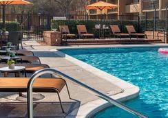 玛丽埃塔市/I-75北州际公路亚特兰大庭院酒店 - 玛丽埃塔市 - 游泳池