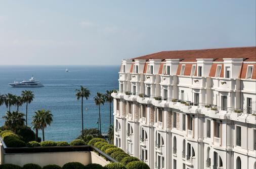 巴里尔勒格雷阿比昂酒店 - 戛纳 - 阳台