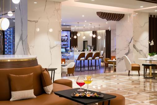 巴里尔勒格雷阿比昂酒店 - 戛纳 - 酒吧