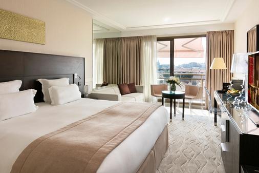 巴里尔勒格雷阿比昂酒店 - 戛纳 - 睡房