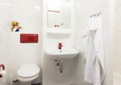 A&O柏林克鲁姆布斯酒店 - 柏林 - 浴室