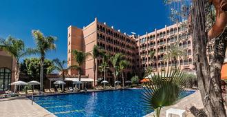 艾尔安达罗斯酒廊及Spa酒店 - 马拉喀什 - 游泳池