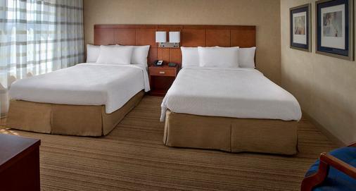 万怡纽瓦克自由国际机场酒店 - 纽瓦克 - 睡房