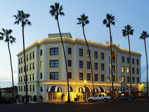 拉霍亚格兰德科隆尼酒店 - La Jolla - 建筑