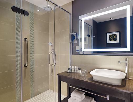 诺丁汉盖特威希尔顿逸林酒店 - 诺丁汉 - 浴室