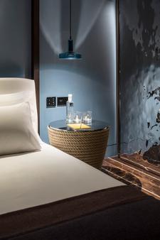 琼先生酒店 - 伊维萨镇 - 浴室