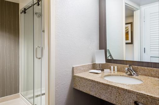 莫比尔万怡酒店 - 莫比尔 - 浴室