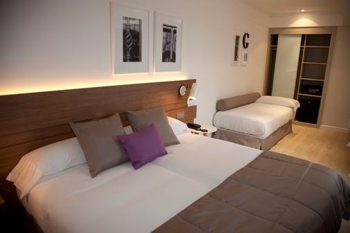 基尔美利兹酒店 - 圣地亚哥-德孔波斯特拉 - 睡房