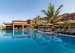 H10阿德赫海岸皇宫酒店 - 阿德耶 - 游泳池