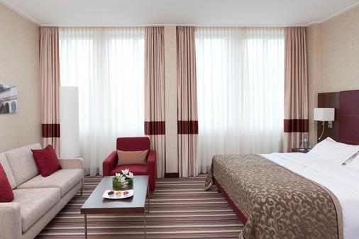 施泰根博阁格拉夫齐柏林酒店 - 斯图加特 - 睡房