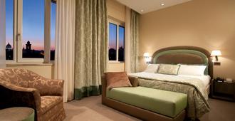 国家大酒店 - 罗马 - 睡房