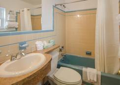 海豚酒店 - 怀尔德伍德 - 浴室