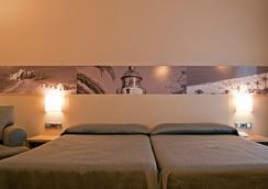 伯纳特二酒店 - 卡里拉 - 睡房