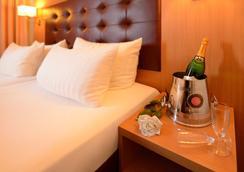 汉堡萨森特酒店 - 汉堡 - 客房设施