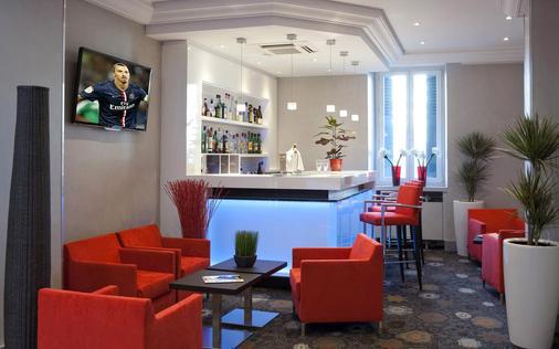 阿洛布罗基斯公园酒店 - 阿讷西 - 酒吧