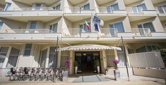 格兰达酒店 - 马尔米堡 - 建筑