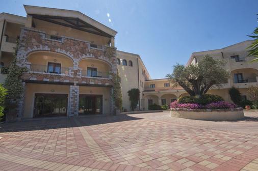 莫利斯科蓝色乡村酒店 - 阿尔扎凯纳 - 建筑