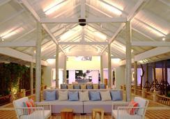 普吉岛南海华美达度假村 - 普吉岛 - 大厅