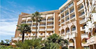 博美阿祖戛纳韦乐利旅馆 - 戛纳 - 建筑
