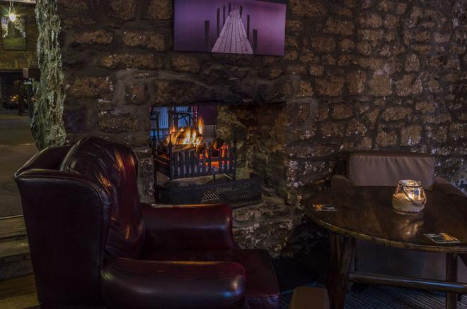 牧师住宅农庄旅馆 - 滕比 - 酒吧