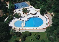 伊斯坦布尔博斯普鲁斯希尔顿酒店 - 伊斯坦布尔 - 游泳池
