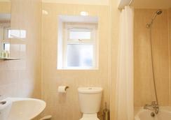 美国洛奇酒店公寓 - 伦敦 - 浴室