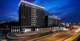 奥肯切机场酒店 - 华沙 - 建筑