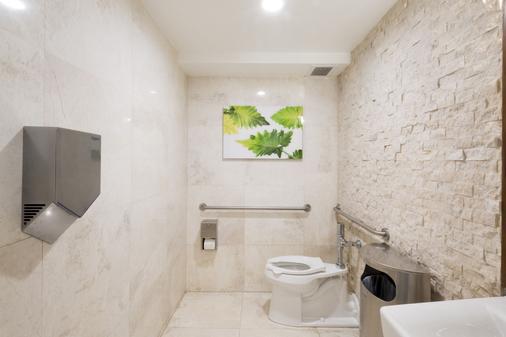 总统大酒店 - 迈阿密海滩 - 浴室