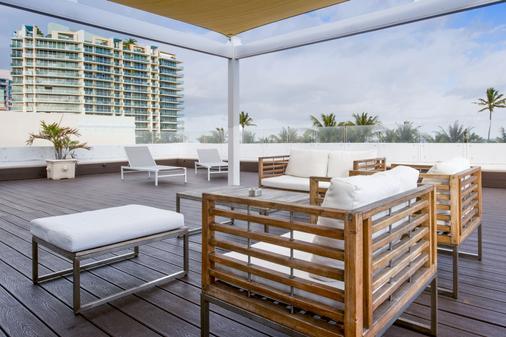 企鹅酒店 - 迈阿密海滩 - 阳台