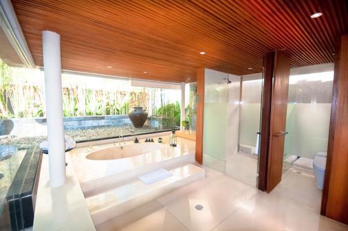 巴厘岛水明漾天堂酒店 - 库塔 - 浴室