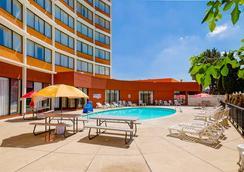 丹佛中心克拉丽奥酒店 - 丹佛 - 游泳池