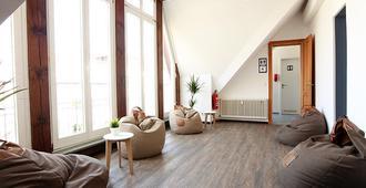 Blue Doors Hostel Altstadt - 罗斯托克 - 客厅