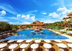 瑞坎托卡塔拉塔斯温泉度假村及会议酒店 - 伊瓜苏 - 游泳池