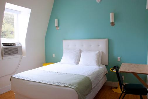 皇家橡树酒店 - 多伦多 - 睡房