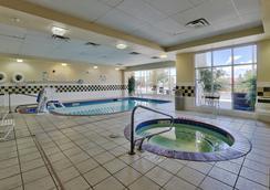 阿尔布开克/日报中心希尔顿花园酒店 - 阿尔伯克基 - 游泳池