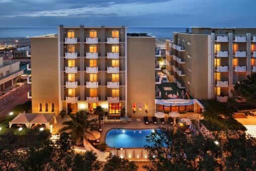 比安卡别墅酒店 - 里米尼 - 建筑