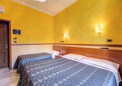 罗马星球酒店 - 罗马 - 睡房