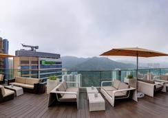 香港九龙东皇冠假日酒店 - 香港 - 露天屋顶