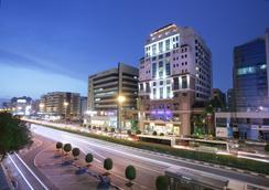 迪拜大都会皇宫饭店 - 迪拜 - 建筑