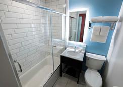芝加哥市区红顶客栈 - 芝加哥 - 浴室