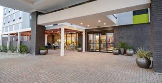 希尔顿irving/Dfw机场北欣庭套房酒店 - 欧文