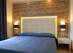 弗兰克林王子酒店 - 卡斯特拉巴特 - 睡房