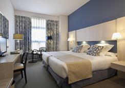 纽沃波斯顿酒店 - 马德里 - 睡房