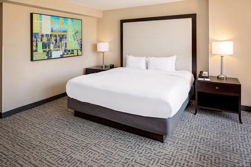 芝加哥壮丽大道希尔顿逸林酒店 - 芝加哥 - 睡房