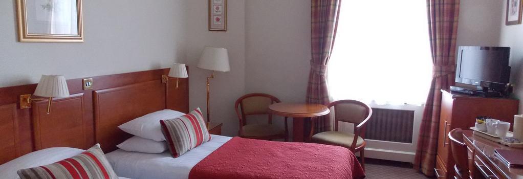 圣乔治酒店 - 伦敦 - 睡房