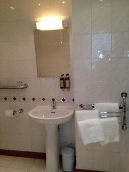 圣乔治酒店 - 伦敦 - 浴室
