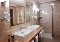 阿波罗 4 星级顶级养生酒店 - 莱夫库拉斯水疗中心酒店 - 波爾托羅 - 浴室